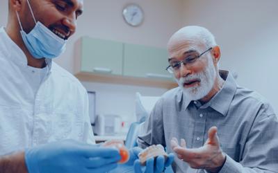 Como usar a prova social para vender implantes dentários